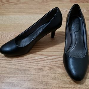 Life Stripe black pumps size 8